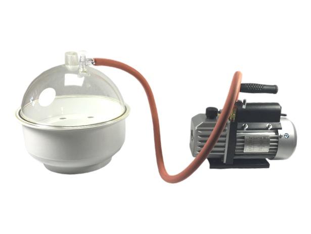 Vacuumpomp en vacuumkoepel om siliconenrubber en gietharsen te ontluchten. hierdoor zullen luchtbelletjes, ...